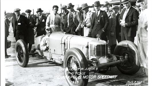 Dave Lewis in the #1 Junior 8 (Miller/Miller) at the Indianapolis Motor Speedway in 1925.