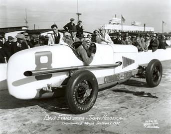 Dave Evans in the #8 Cummins Diesel Special (Duesenberg/Cummins) at the Indianapolis Motor Speedway in 1931.