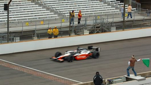 No. 1 Michael Andretti in the Jim Beam/Vonage car takes the green flag.