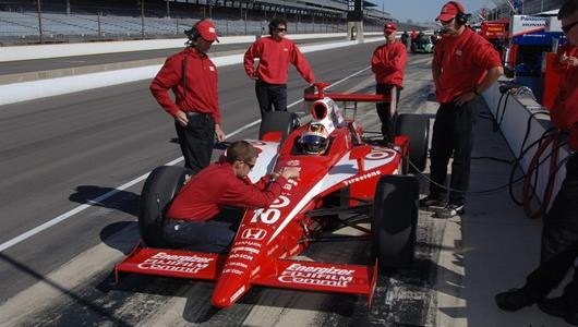 Preparing the car for Dan Wheldon.