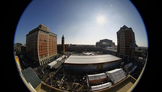 Beautiful, warm weather in downtown Indy for Super Bowl XLVI.