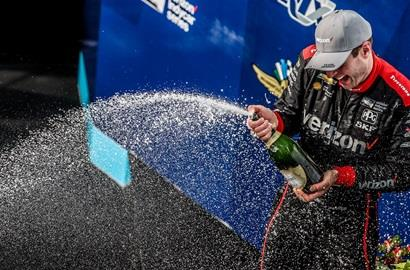 Will Power celebrating his victory