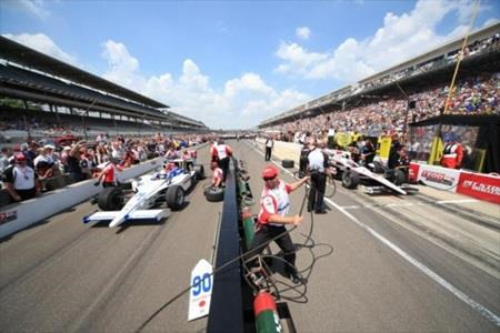 Castroneves, Penske Continue Dominance Of Pit Stop Challenge
