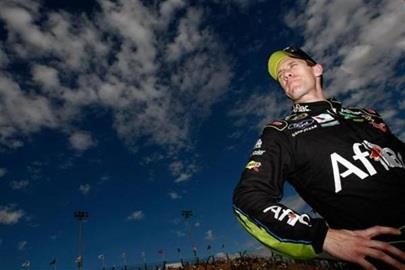 Hot Stewart Takes Aim At Edwards, Top Spot At Phoenix