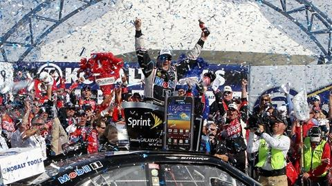 Tony Stewart Wins In Las Vegas