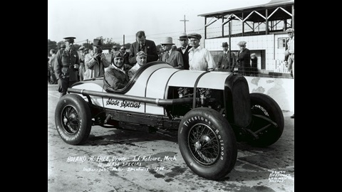 Roland Free in the #28 Slade Special (Chrysler/Chrysler) at the Indianapolis Motor Speedway in 1930.