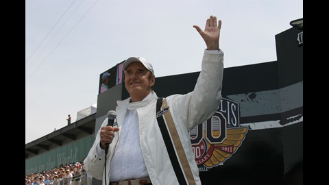 Jim Nabors waves to the crowd before singing